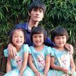 一家人在一起就是幸福的,这是我三胞胎女儿,穷我们也开心?