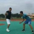 内侧脚先着地在没有优势情况下做这个两个动作反复训练形成本能  篮球
